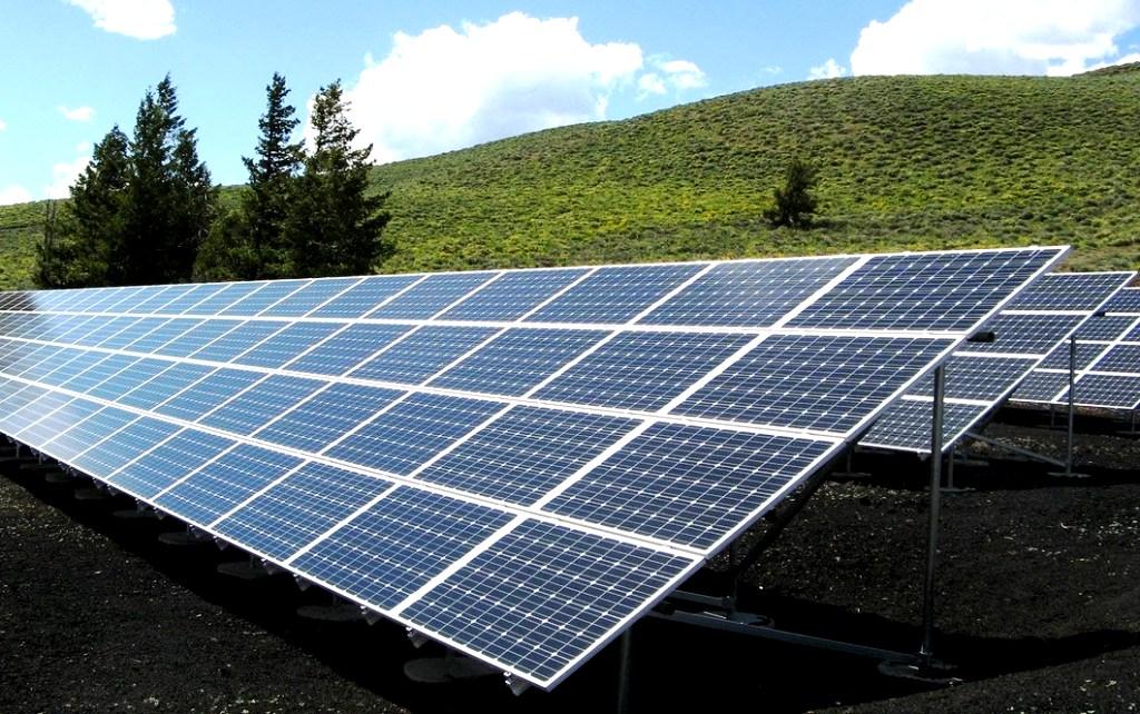 Výrobcovia obnoviteľnej energie vlani na podpore zinkasovali 467 miliónov eur