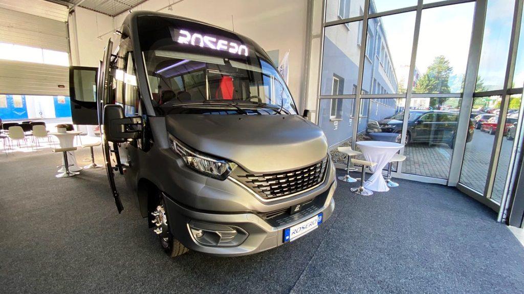 Slovenský vodíkový autobus je na svete. V jednom meste ho odskúšajú v prevádzke