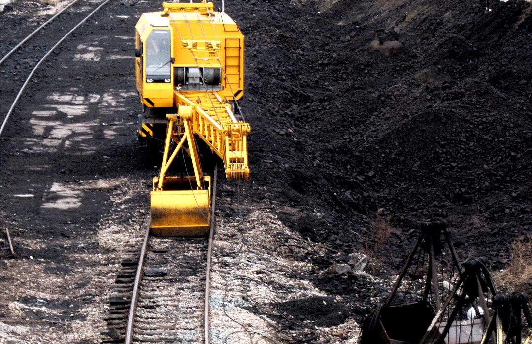 Čína vlani spustila trikrát viac uhoľných elektrární ako zvyšok sveta dokopy