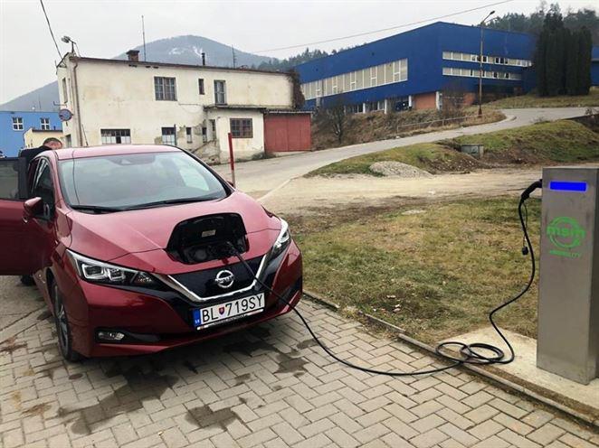 Nabíjacie stanice pre elektromobily sa už vyrábajú aj na Slovensku