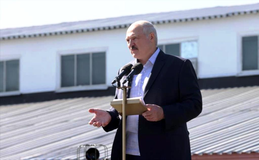 Lukašenkova jadrová elektráreň vydržala deň, po slávnostnom spustení ju museli odstaviť