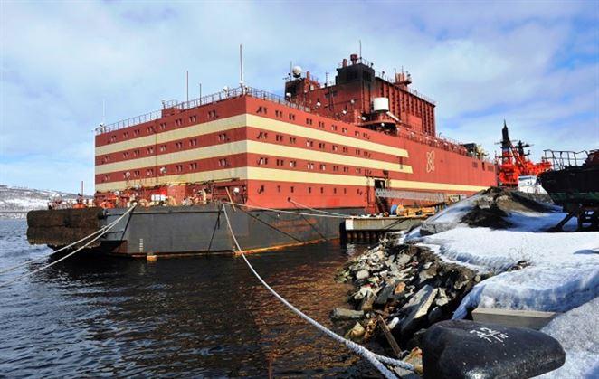 Prvá ruská plávajúca jadrová elektráreň doplávala do trvalej základne na Čukotke