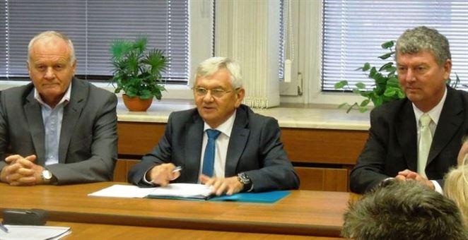 Regulačný úrad vedú politik Smeru, univerzitný profesor a expert na jadro