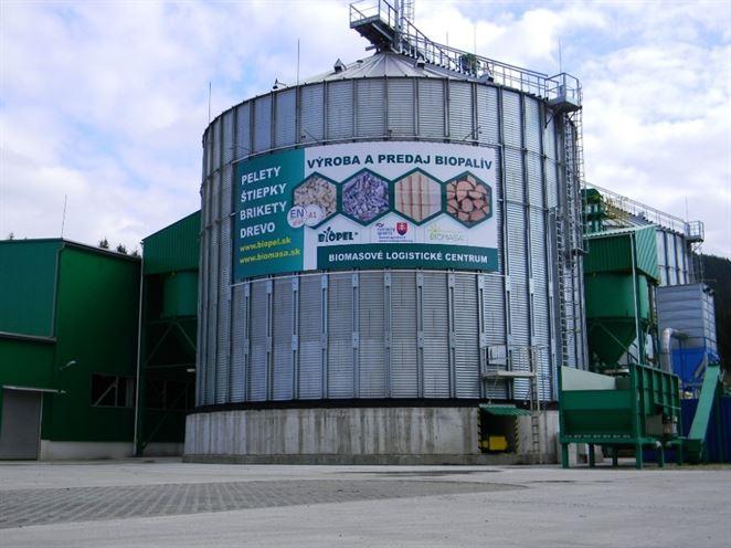 Firma z Kysúc získala medzinárodné ocenenie za biomasové logistické centrum