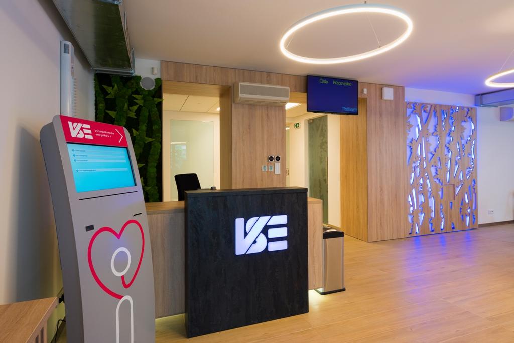 VSE otvorila Zákaznícke centrum ako miesto zážitkov