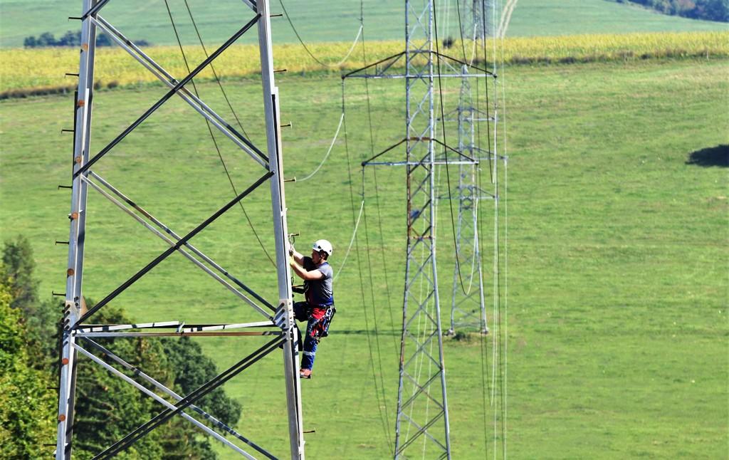 Na strednom Slovensku posilnia elektrické vedenie VVN, pribudnú aj optické trasy
