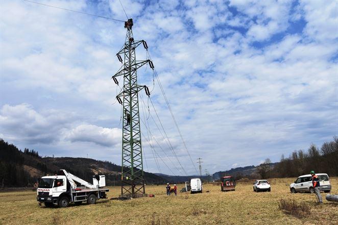 Ohlásené odstávky nebudú, energetici pre koronavírus rušia stovky plánovaných prác