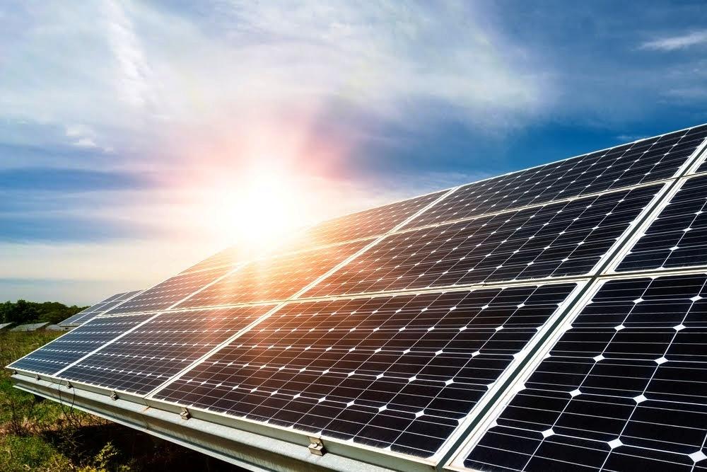 Povinnej prolongácii podpory sa chce vyhnúť 97 fotovoltík, ÚRSO posudzuje ich dôvody
