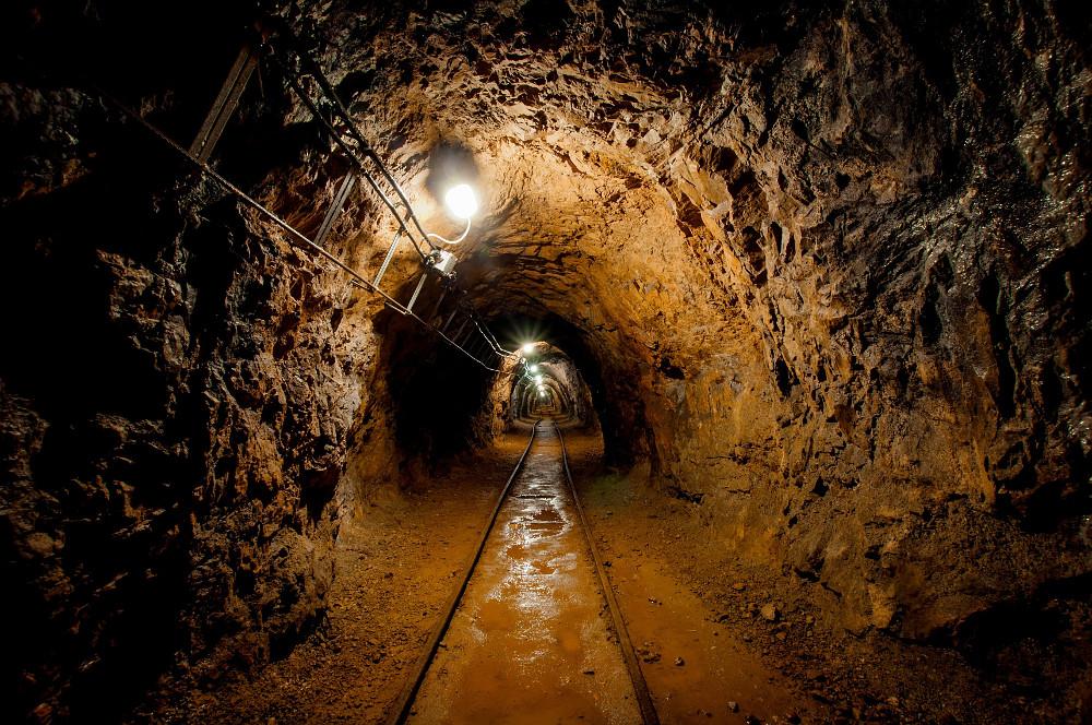 Obnoví sa na Slovensku tradícia baníctva? Suroviny pre batérie namiesto uhlia