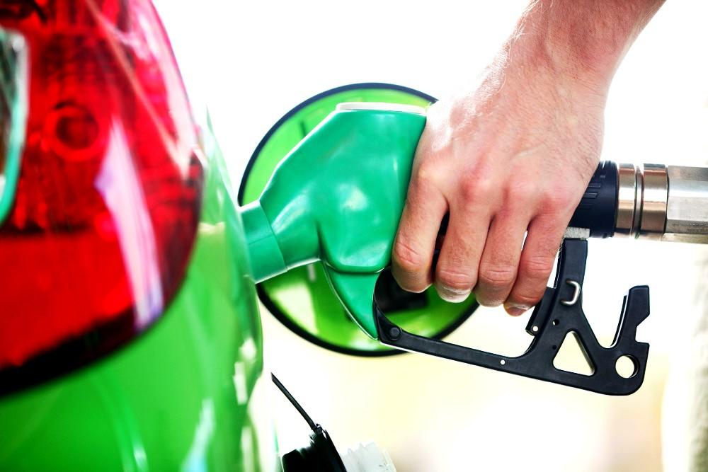 Koronakríza zrazila aj ceny palív. Benzíny postupne zdražujú, nafta, LPG a CNG pomalšie