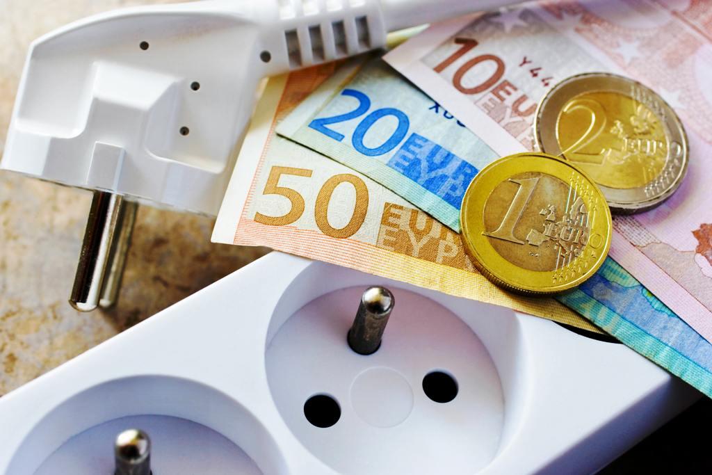 Koľko míňajú slovenské domácnosti na elektrinu, plyn a teplo? V roku 2022 energie vyjdú drahšie