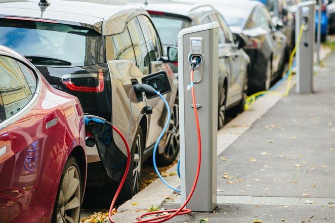 Štát ešte v tomto roku opäť zadotuje elektromobily a plug-in hybridy