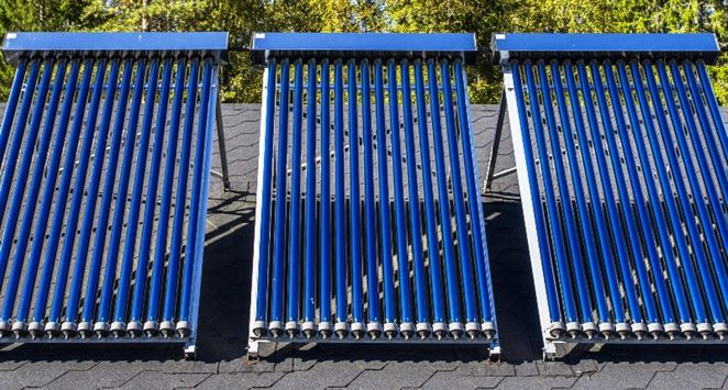 Príspevky na slnečné kolektory sa rozchytali rýchlo, podporu získa 476 domácností