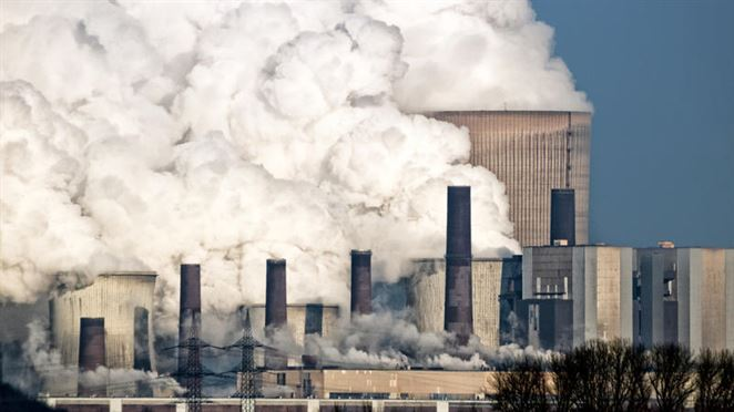 Uhlíková daň oberie podniky o miliardy na zisku