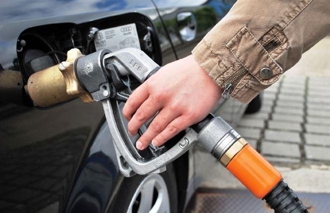 Zemný plyn obohatený o biometán z odpadu. Českí motoristi testujú alternatívne palivo