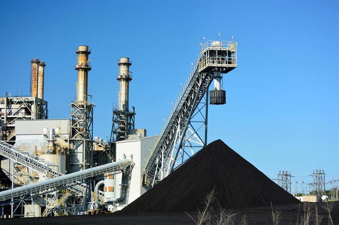 Rast ceny plynu nemotivuje k odstavovaniu uhlia