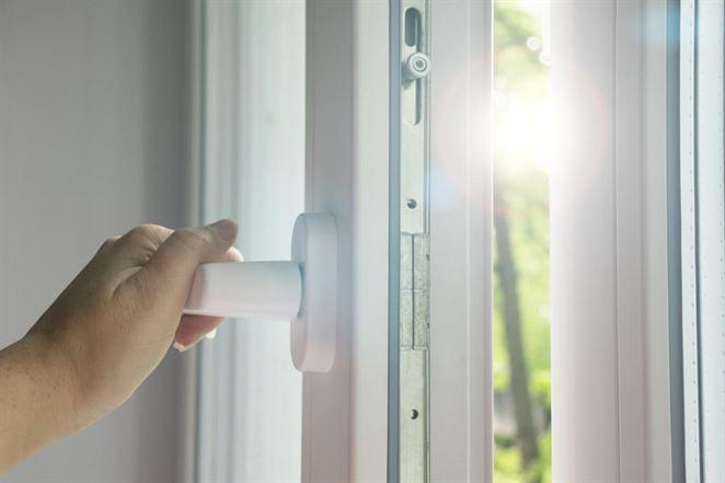 Tri dôvody, prečo vás staré okná stoja peniaze