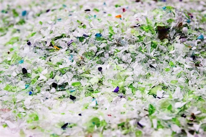 Matka Slovnaftu plánuje so Švajčiarmi vyrábať recyklované plasty