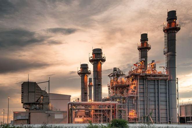 Tri výbuchy ropných rafinérií nastali v krátkom časovom slede