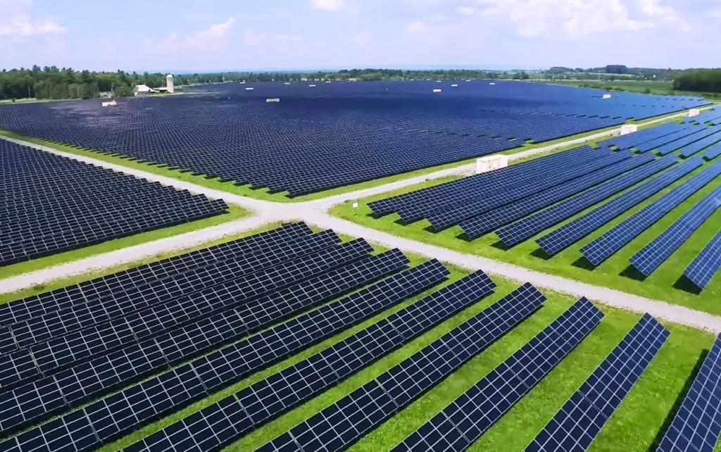 Náhla dekarbonizácia a rekordný podiel zelenej energie. Koronakríza zamávala energetikou