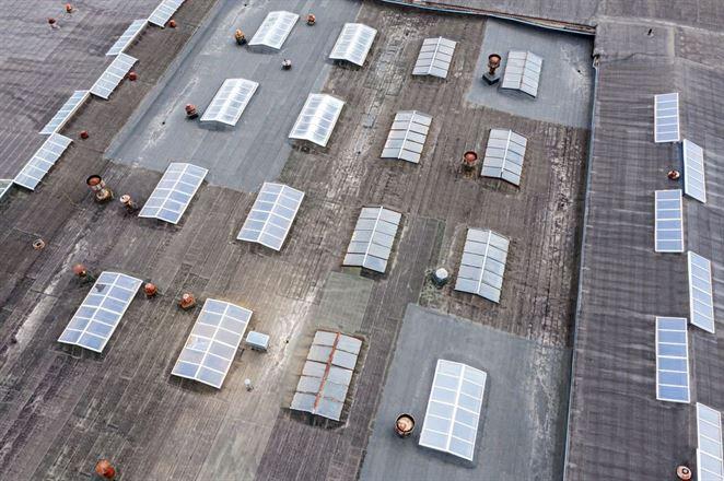 Ako využiť horúce ploché strechy veľkých budov?