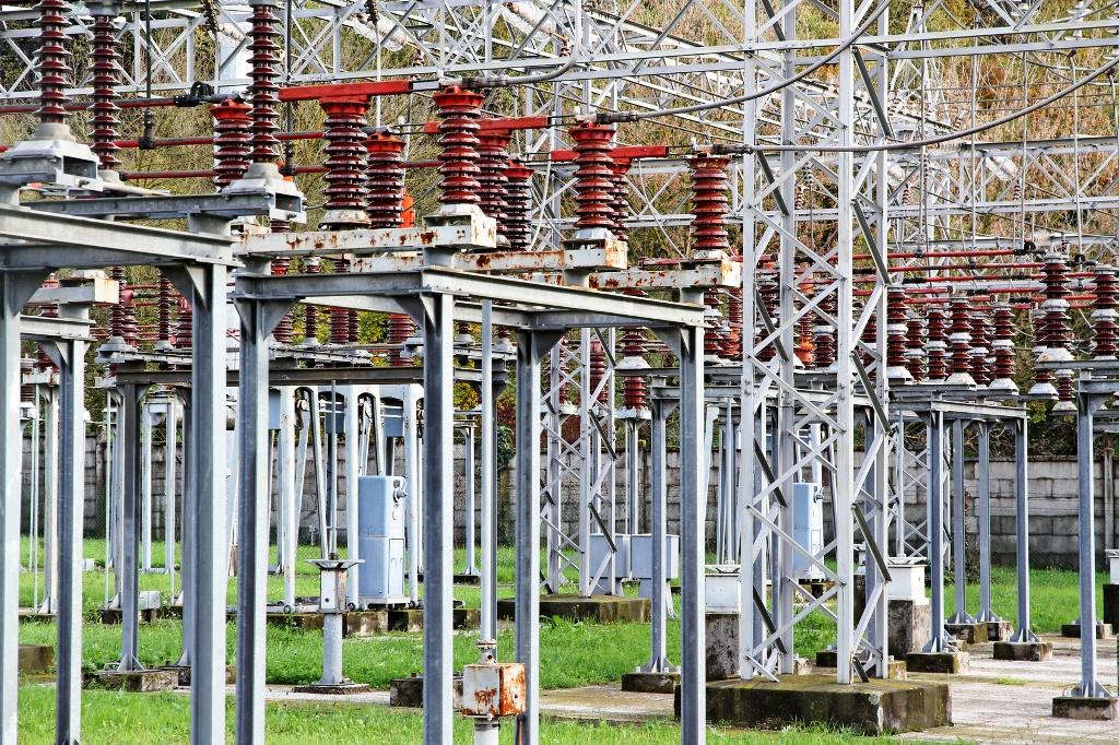 Spotreba elektriny v Česku napriek koronakríze klesla len mierne