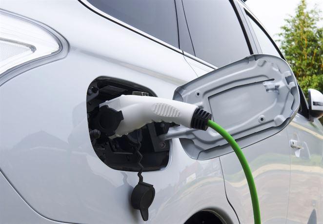 Dotácie na elektromobily za šesť miliónov eur sa minuli do štyroch minút