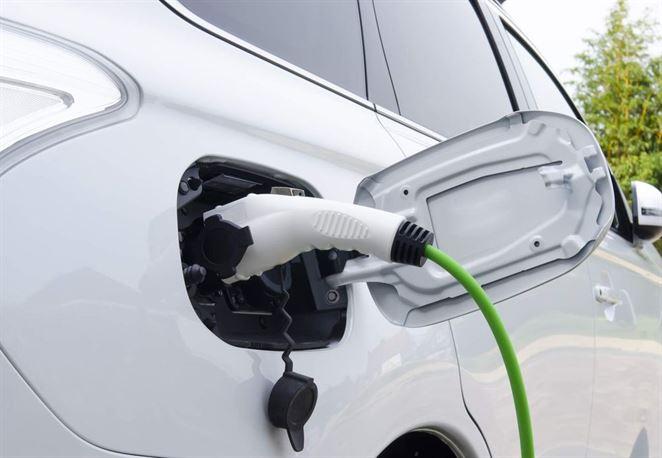 Hybridné auto, elektromobil alebo CNG? Aké auto je najekologickejšie?