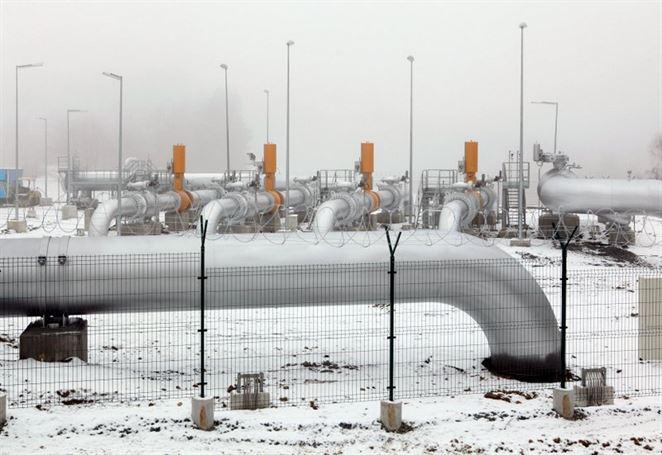 Gazprom opäť priškrtil kohútik tranzitného plynu na Slovensko