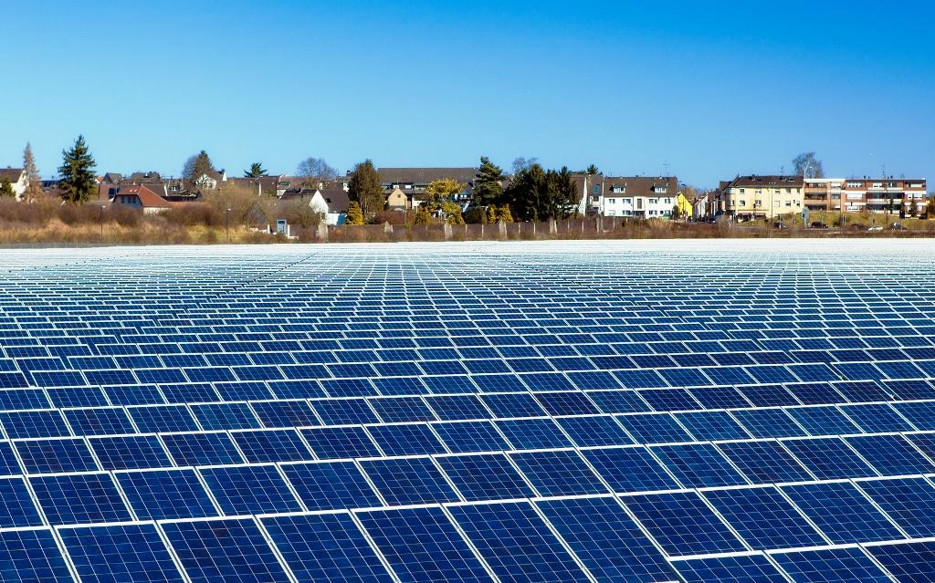 Väčšinu podpory pre obnoviteľné zdroje energie v Česku zatiahne štátny rozpočet
