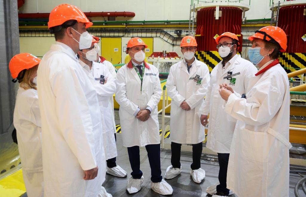 Poslanci NR SR navštívili JAVYS, zaujímali sa aj o spaľovanie rádioaktívneho odpadu
