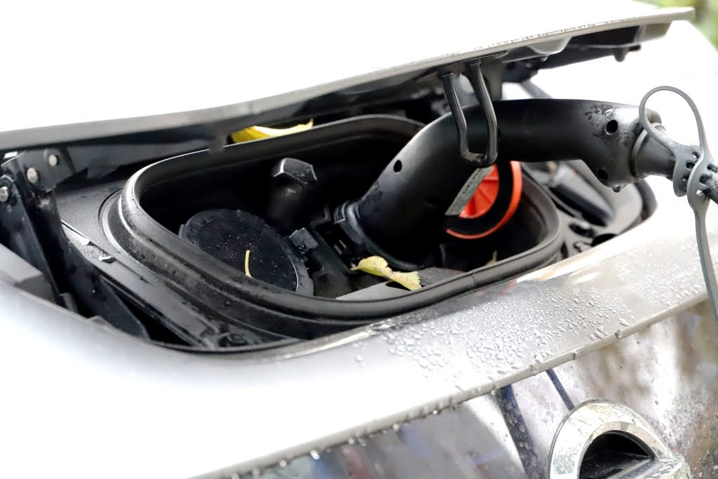 Vývoj a výroba batérií pre elektromobily. Čo sa na Slovensku chystá a čo sa už deje?