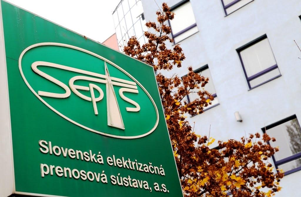SEPS vyplatí finančné náhrady vlastníkom pozemkov, na ktorých stavia