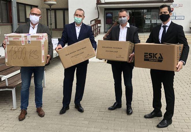 Distribučná spoločnosť plynu pomohla seniorom v Ružinove