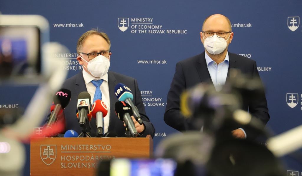 Štátni plynári sú po rokoch v zisku. Minister Sulík a šéf SPP Urban ukázali čísla (VIDEO)