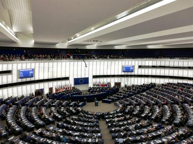 Merkelová: Nemecko bude odkázané na zemný plyn, OZE nepostačia