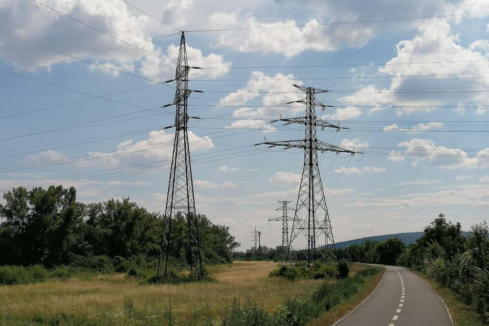Ako prevádzkovatelia prenosových sietí vnímajú prechod k nízkoemisnej energetike