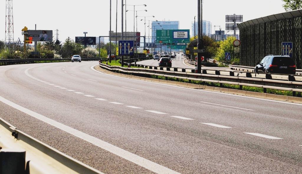 Ceny pohonných hmôt na Slovensku pokračujú v raste