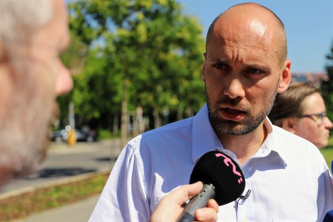 SaS žiada odvolanie Jahnátka, ÚRSO podľa Galeka ovládajú oligarchovia a politici
