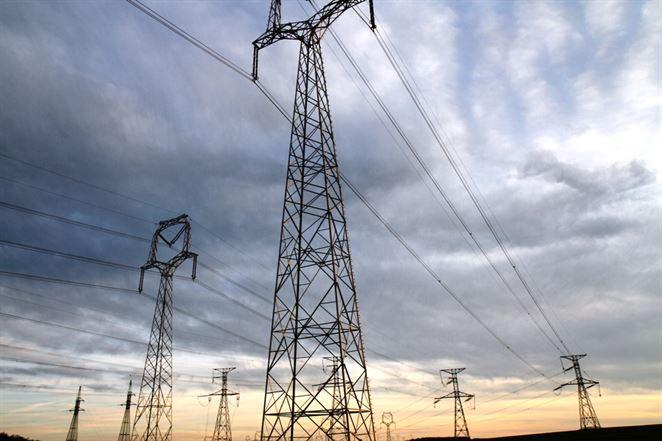 Spotreba elektriny sa u nás prepadla viac ako vo zvyšku V4 a väčšine krajín EÚ