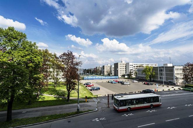 Rozbehli najväčší projekt energetických úspor v ČR, univerzita ušetrí 2,3 GWh elektriny