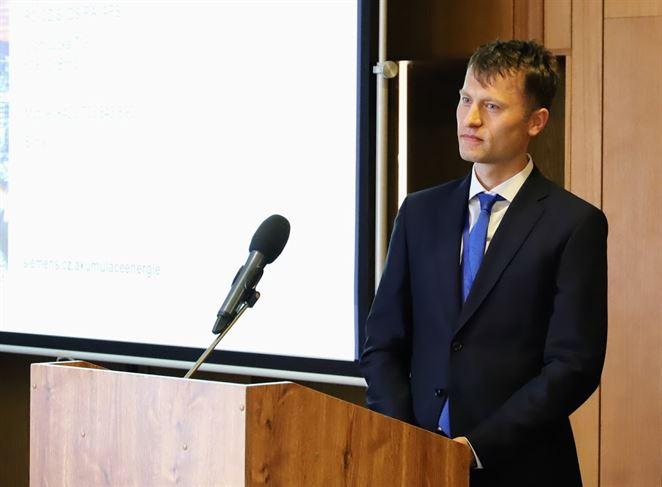 Martin Šilar: Batériová akumulácia má sľubnú budúcnosť, prekážkou sú licencie
