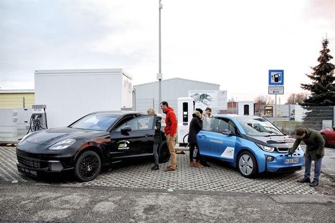 Nová superrýchla nabíjačka dobije elektromobil za tri minúty pre 100 km dojazd