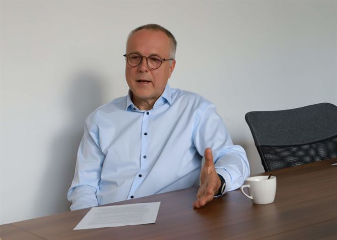 Pavol Prepiak: Nepretláčajme elektrické autá silou-mocou tam, kde existujú lepšie riešenia
