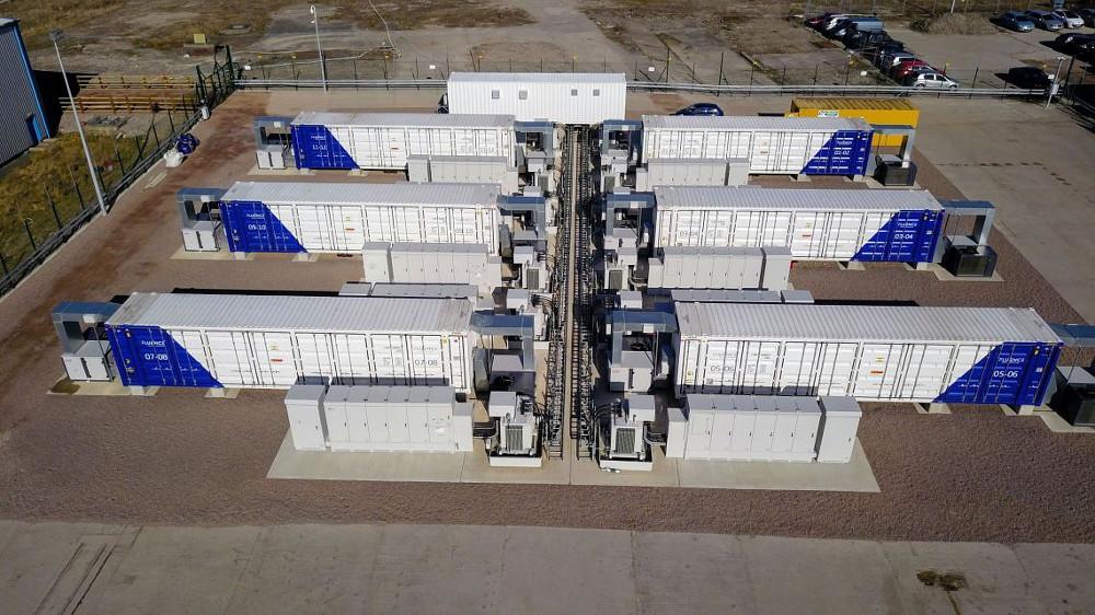 Na Slovensku sa plánuje obrovské batériové úložisko. S vysokými nákladmi a otáznym prínosom