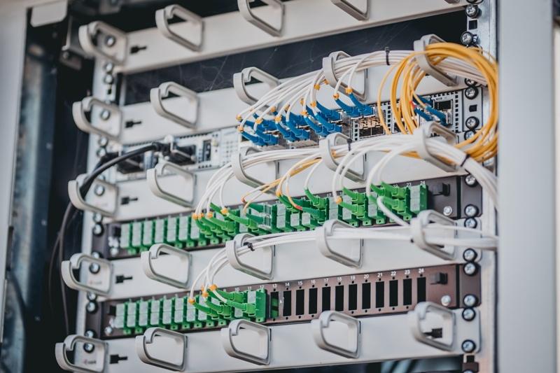 Východoslovenská distribučná spolu s UPC poskytuje zákazníkom rýchlu optiku