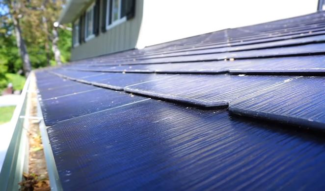 Majiteľ solárnej strechy Tesla zdieľa svoje skúsenosti
