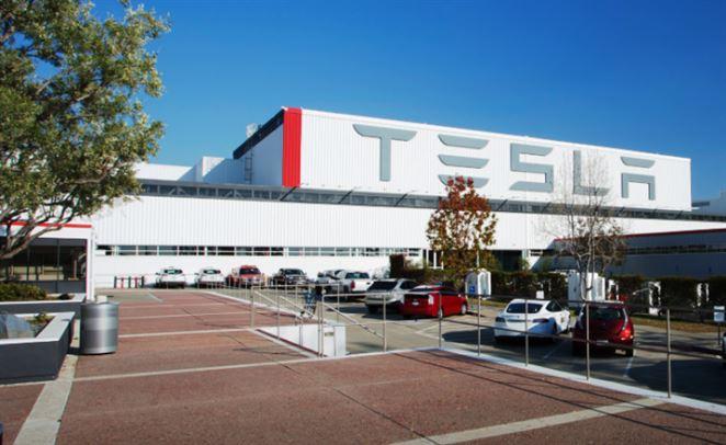 Tesla chce vo svojom prvom európskom závode vyrábať pol milióna elektromobilov ročne