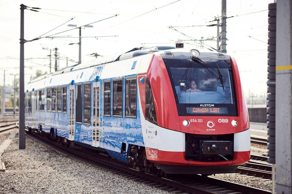 Prvý vodíkový vlak po Nemcoch pustili na koľajnice aj naši susedia