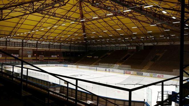 Investícia do zimného štadióna ušetrí Trebišovu 60 % nákladov na osvetlenie
